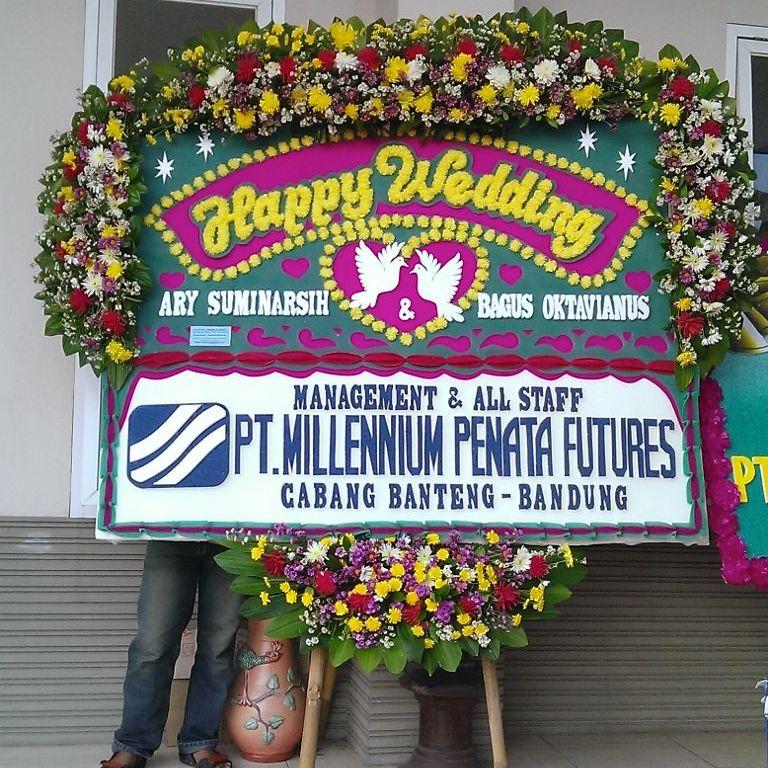 Gambar Karangan Bunga Papan Pernikahan Happy Wedding Murah