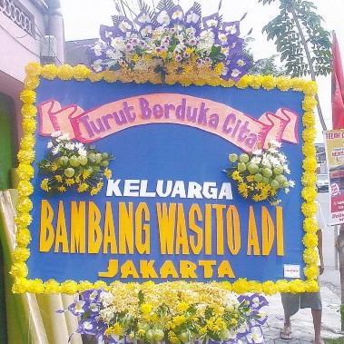 karangan bunga duka cita di toko bunga sukoharjo SKO DC03