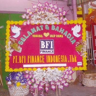 gambar bunga papan ucapan pernikahan di toko bunga karanganyar dan toko bunga solo KRA HW01