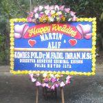 gambar bunga papan happy wedding karanganyar di toko bunga solo kra hw03