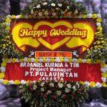 gambar bunga papan ucapan happy wedding di toko bunga solo dan karanganyar hw03